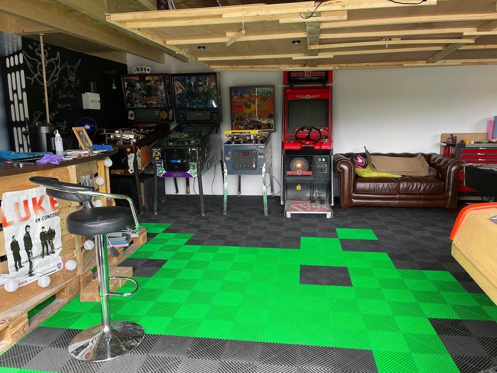 Ludo - Gameroom space invaders au sol